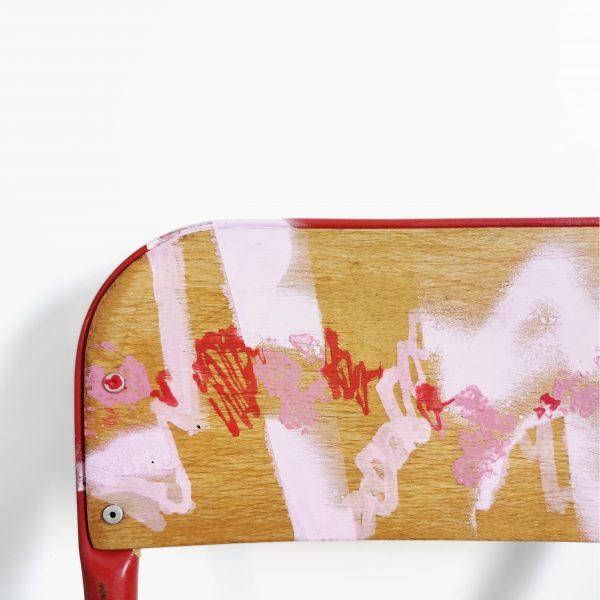 Chaise d'école rouge_détails dossier_Art4Design_Yacine Ouelhadj