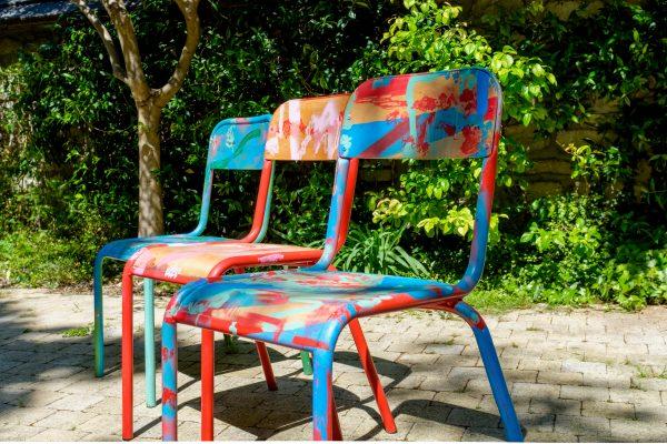 Chaises d'école_Rouge, bleue, rose_Art4Design_Yacine Ouelhadj